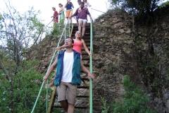хора на стълба